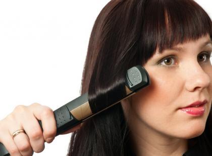 Prostowanie włosów falowanych