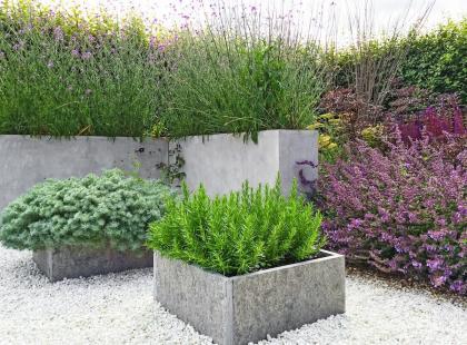 Prosty przepis na donice z betonu. To ogrodowy hit!