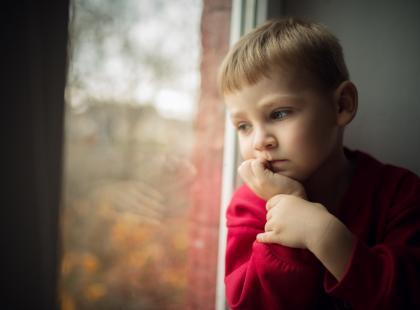 Przedszkolanki wydepilowały brwi 2-letnim dzieciom. Co na to rodzice?