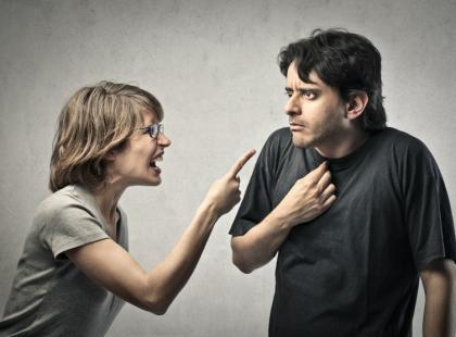 Przemoc domowa i jej mechanizmy wikłające