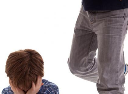 Agresywne dziecko potrzebuje pomocy psychologa dziecięcego/ fot. Shutterstock