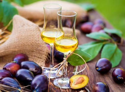 Przepis na aromatyczną nalewkę ze śliwek