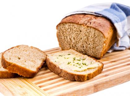 Przepis na domowy chleb pełnoziarnisty