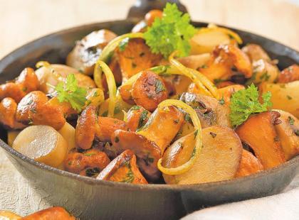 Przepis na rydze z ziemniakami z patelni