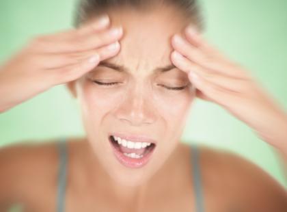 Przyczyny bólu głowy i migreny