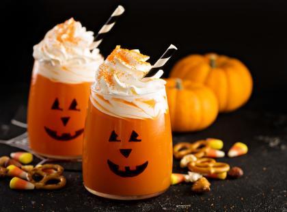 Przygotuj straszne drinki na Halloween dla dorosłych i tych młodszych gości! Przepisy ze zdjęciami!