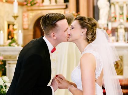 Przysięga małżeńska - znasz jej treść? Przygotuj się do ślubu bez stresu!
