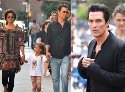 Przystojny Matthew McConaughey z żoną i dziećmi na spacerze
