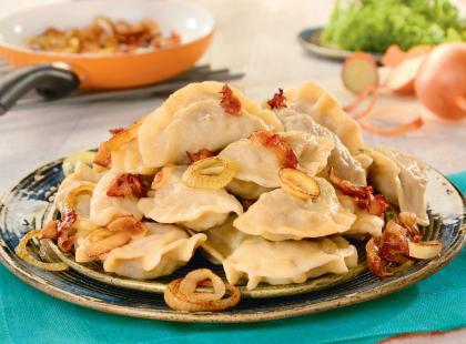 Pyszne danie kuchni polskiej: zobacz, jak przyrządzić pierogi z mięsem na 11 sposobów