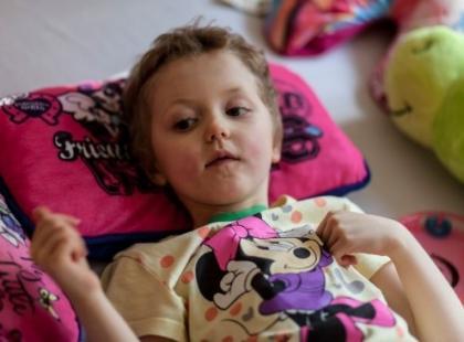 Radość w Klinice Budzik: 8-letnia Laura wybudzona! Jest na najlepszej drodze do wyzdrowienia