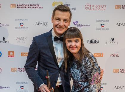 Rafał Mroczek spełnił marzenie jednej ze swoich fanek – dziewczynki z zespołem Downa. Co zrobił?