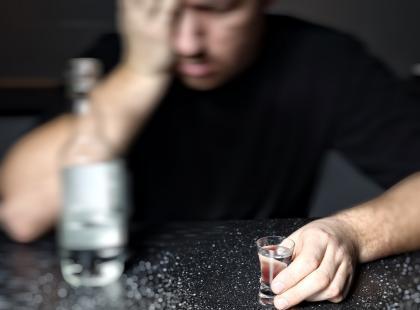Redukcja szkód sposobem walki z alkoholizmem?