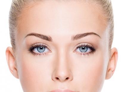 Regulacja, pielęgnacja i makijaż brwi