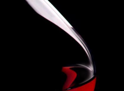 Kieliszek czerwonego wina/fot. Fotolia