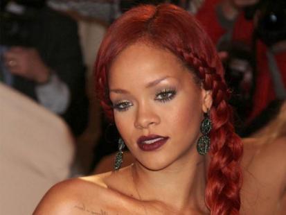 Rihanna eksperymentuje z długością