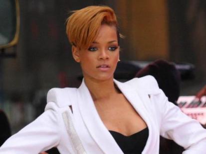 Rihanna vs Tara Reid