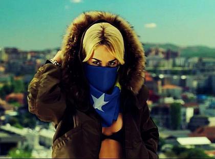 Rita Ora pokazuje rodzinne Kosowo