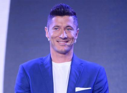 """Robert Lewandowski rozczulił fanki nowym zdjęciem z Klarą! """"Dobry facet i ojciec"""""""