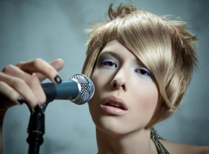 Rock'n'rollowy folkor w trendach fryzjerskich - jz 2009/2010