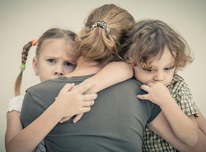 Rodzic po rozwodzie – jak uniknąć przenoszenia problemów na dziecko?