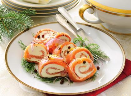 Roladki z łososia z serem