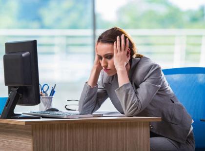 Rozwiąż test i sprawdź, czy jesteś uzależniona od pracy! [quiz]