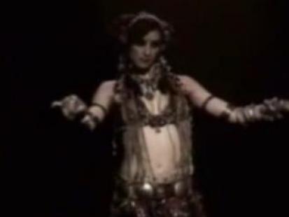 Ruch rąk w tańcu brzucha - video