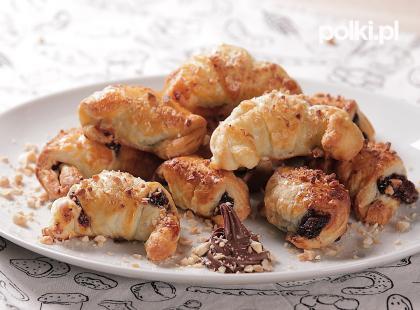 Są pyszne! Jak zrobić rogaliki z ciasta francuskiego z kremem czekoladowym i powidłami?