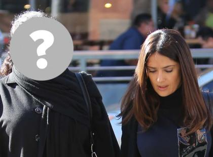 Salma Hayek z mamą na spacerze. Podobne do siebie?