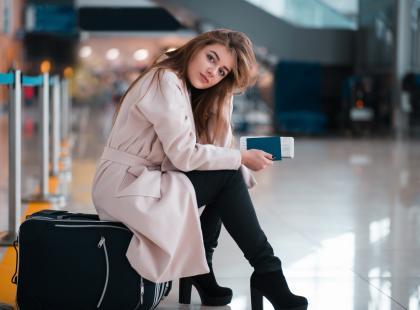Samolotowy survival: 5 wskazówek, jak organizować dietę w podróży
