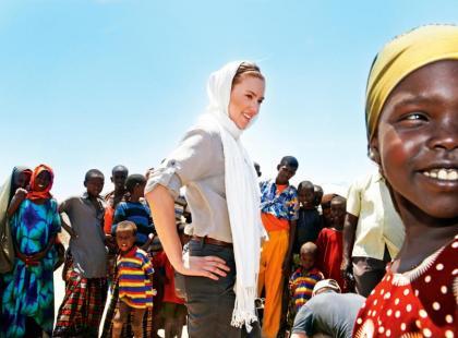 Scarlett Johansson -  Na ratunek Afryce