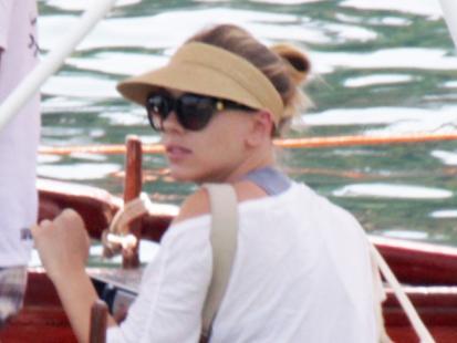 Scarlett Johansson w bikini na Sycylii
