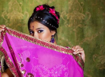 Sekret lśniących i gęstych włosów Hindusek