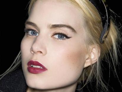Seksowny makijaż dla blondynki