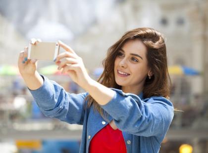 Selfie przyczynia się do szybszego starzenia się skóry!