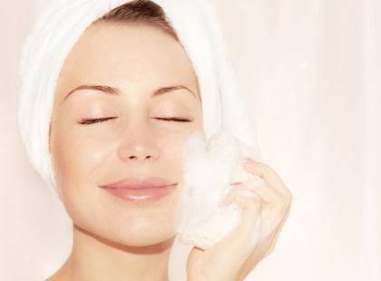 Skuteczne sposoby pielęgnacji skóry wrażliwej