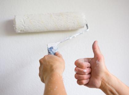 Skuteczny sposób na szybkie usuwanie plam ze ściany!