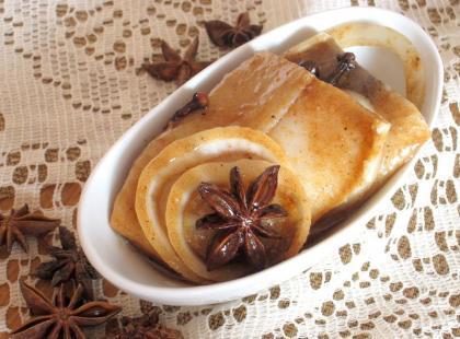 Śledzie z korzennym aromatem - Kasia gotuje z Polki.pl