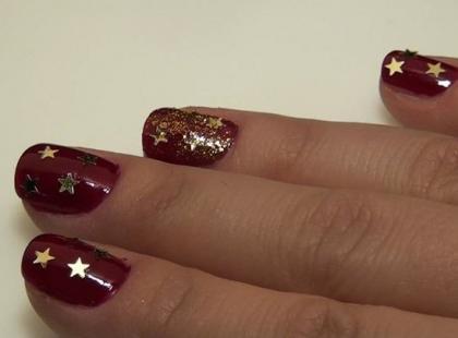 Śliczny manicure na Mikołajki