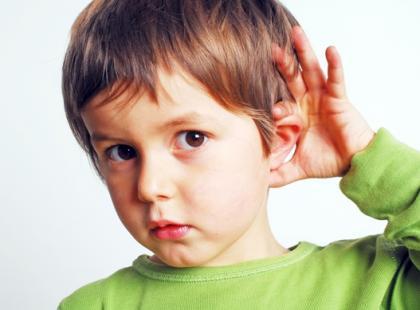Słuch - kluczowe ogniwo komunikacji a dzieci