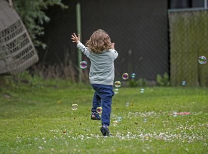 Słuch, wzrok, dotyk: zmysły chronią dziecko