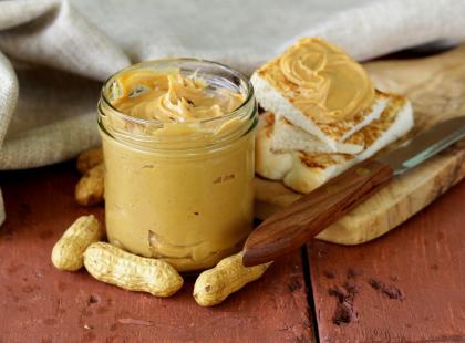 Smaczna i zdrowa przekąska, która doda energii - sprawdź nasze przepisy na masło orzechowe