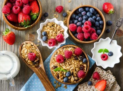Smaczne i dietetyczne śniadanie to dobry początek dnia. Z czego powinno się składać?