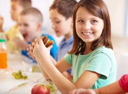 Smakowite pomysły na drugie śniadanie do szkoły i pracy