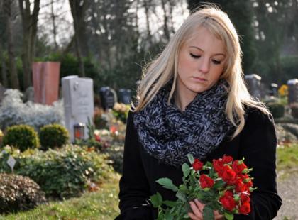 Śmierć dziecka – jakiego wsparcia oczekuje rodzic?