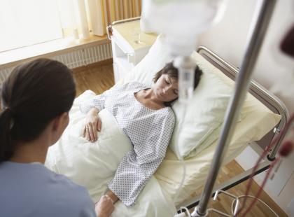 Śmierć we Wrocławiu: młoda kobieta opiekowała się nieszczepionymi dziećmi. Zmarła z powodu zakażenia meningokokami