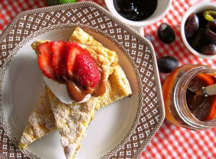 Śniadanie na słodko - nasze ulubione. A przy tym zdrowe, bo to omlet z płatkami owsianymi
