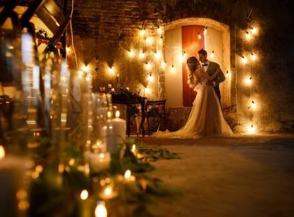 Śnił ci się ślub i wesele? Co na ten temat mówi sennik? Wesele w śnie to dobry, czy zły znak?