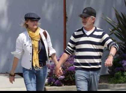 Spielberg wspiera finansowo gejów