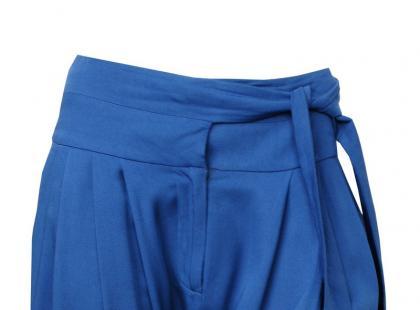 Spodnie podkreślające talię